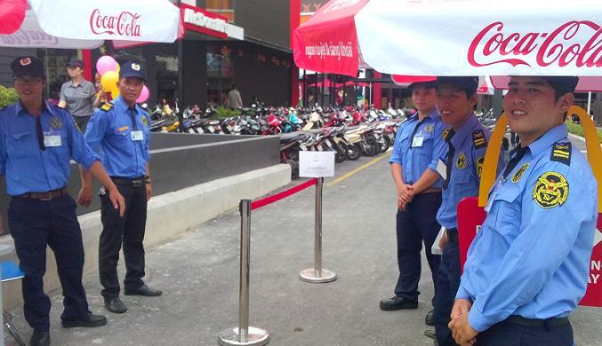 Nhân viên bảo vệ của Đất Việt